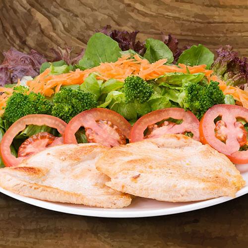 6638 – Salada Com Filé De Frango
